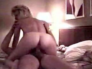 dilettante housewife riding dick